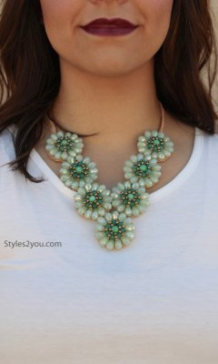 Stone Necklace In Green