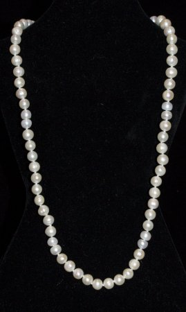 Pearl Necklace In Silver Rose Color