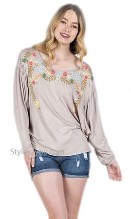 Enzo Monoreno Long Sleeve Loose Body Embroidered Top In Dune