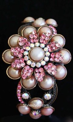 Ladies Victorian Vintage Flower Bracelet In Pinks
