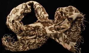 Ladies Brown and Cream Scarf