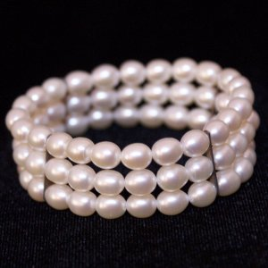"7"" Stretch Pearl Bracelet Three Rows White Colored Pearls"