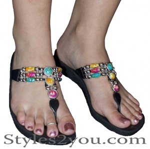 Grandco Sandals Round Marble Beaded Thong In Black