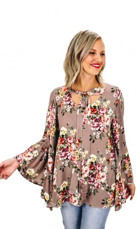 Deja Easel Flowy Blouse With Tie And Bell Sleeves In Mushroom