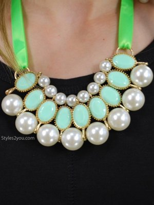 Pearl And Green Collar Necklace With Tie In White And Green