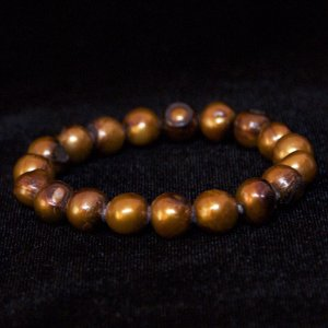 "7"" Stretch Pearl Bracelet In Gold And Brown"