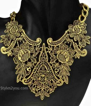 Vintage Victorian Necklace In Aged Gold